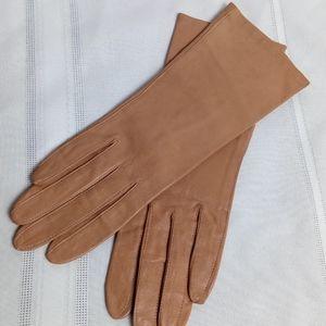 VTG tan gloves